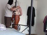 Amateurvideo Meine Bondage Fenster, 16. Juni 2016: orange Lederhose von bondageangel