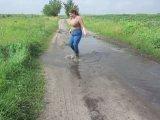 Amateurvideo bathing in mud boots (1) von Arabika