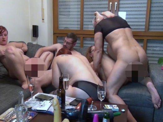 Amateurvideo Mädelsabend komplett außer Kontrolle. FFFMM von susi191