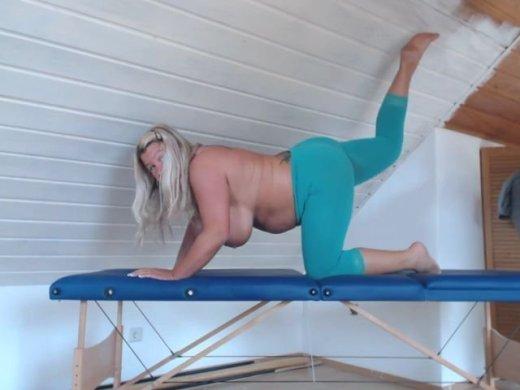 Yoga MilF