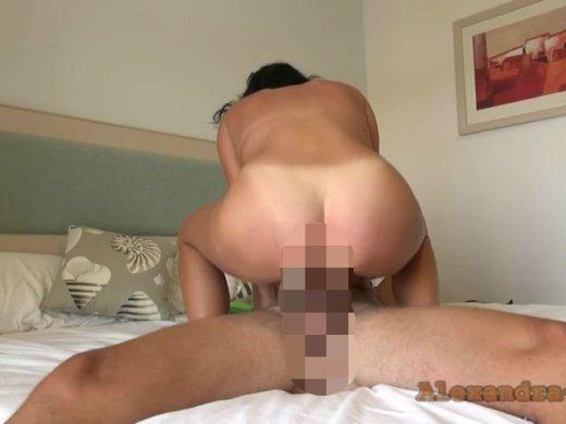 Amateurvideo Vom User Bigcock 23 im Urlaub erkannt und abgefickt von Alexandra_Wett