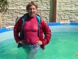 Amateurvideo Nasse Daunenjacke und Jeans von sexyalina