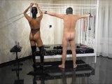 Amateurvideo Meinen Haussklaven geklammert, gefesselt und ausgepeitscht! von Hot_Lilly