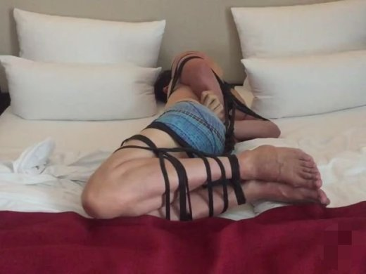 Amateurvideo Timelaps: Side-Hogtie von BondageMallorca