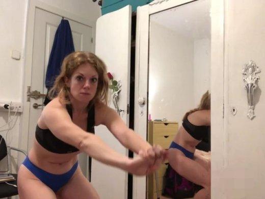 Amateurvideo Frühsport in Unterwäsche von Ero2nite
