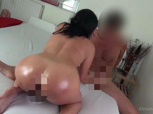 Amateurvideo Mega Orgasmus beim Schlammschieben. 2X abgespritzt from Alexandra_Wett