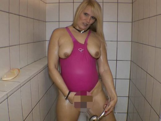 Amateurvideo Badeanzug Shower von SusiNRW