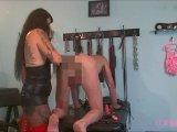 Amateurvideo 2 neue Sklaven bereit zur Abrichtung Teil 1 – Volle Faust von LadyVampira