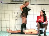 Amateurvideo Double Piss for a Slave! von RosellaExtrem