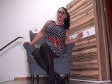 Amateurvideo Keusche Yogaschwester vorgeführt... von Andrea_18